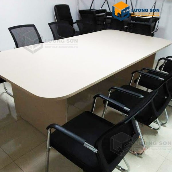 Bàn Họp 2M4 gỗ công nghiệp – BH03 kết hợp cùng ghế phòng họp quỳ lưng nhựa