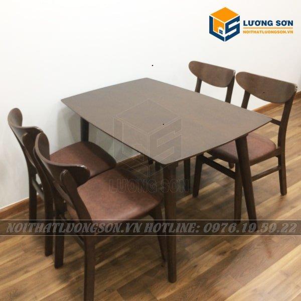 Bộ bàn ăn Mango 4 ghế màu nâu - BA05 với gam màu nâu sạch sẽ dễ lau chùi