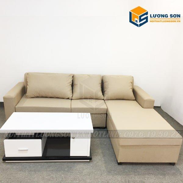 Kết hợp bàn trà vuông tạo nên bộ sofa phòng khách vô cùng ưng ý