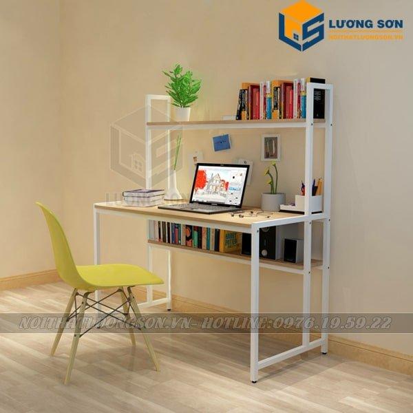 Không gian phòng làm việc sẽ trở nên ngăn nắp và tiện lợi hơn khi sử dụng bàn làm việc liền giá sách trước BLV13