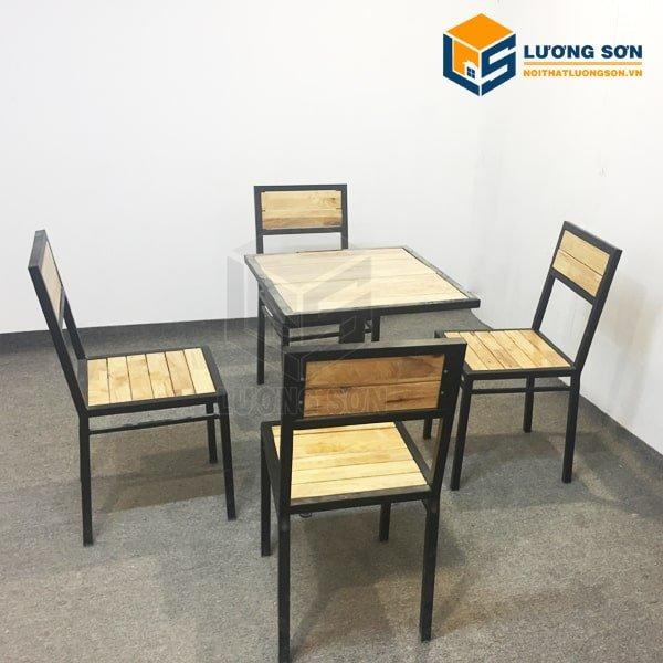 Bàn Ghế cafe 4 ghế gỗ cao su- BCF02 kiểu dáng khỏe khắn hiện đại - một sản phẩm bàn ghế ăn cafe giá rẻ tại Nội Thất Lương Sơn