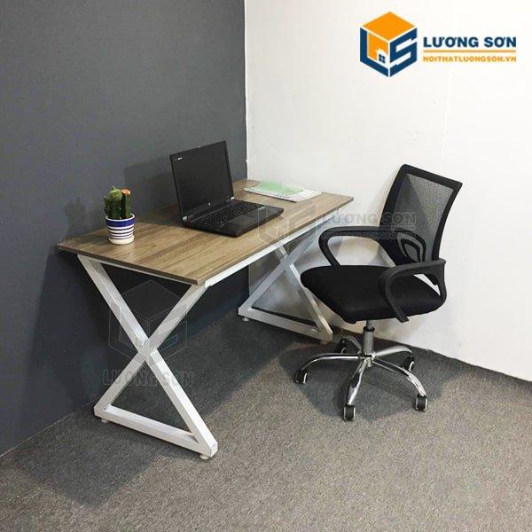 Bàn làm việc chân sắt chữ X – BCSX02 kết hợp cùng ghế xoay G4005