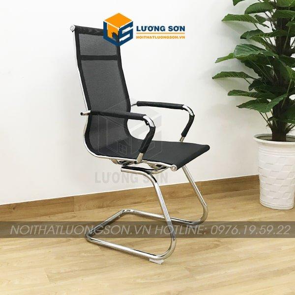 Tựa lưng và đệm ghế được sử dụng khung thép mạ Crome kết hợp vải lưới có độ chịu lực cao giảm sự tích nhiệt mang lại cảm giác dễ chịu khi sử dụng.