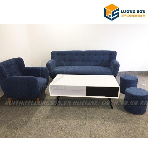 Kết hợp thêm 1 chiếc bàn sofa tô điểm không gian nhà bạn