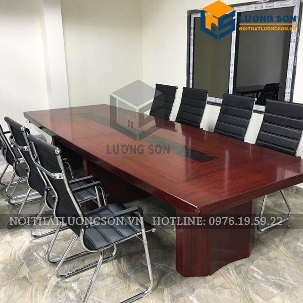 Ghế quỳ đệm lưng cao chân chéo G4020 thường được sử dụng trong phòng họp