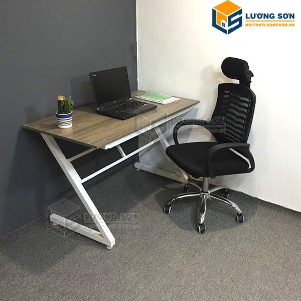 bàn làm việc sắt, Có nên sử dụng bàn chân sắt cho không gian làm việc văn phòng?