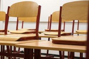 Mua ghế học sinh cần tìm hiểu những thông tin cần thiết không thể bỏ qua