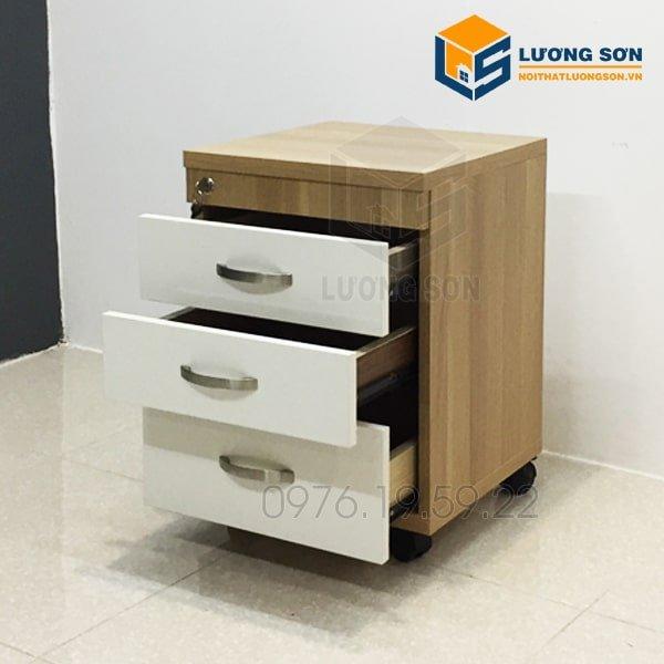 Hộc di động HT04 thường được bố trí dưới gầm bàn làm việc văn phòng giúp tiết kiệm diện tích