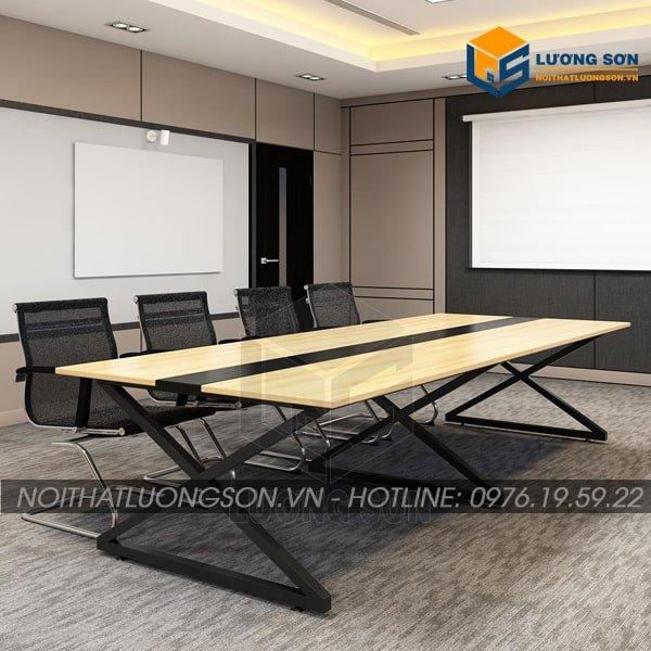 Bàn họp BH21 dễ dàng kết hợp với nhiều mẫu ghế văn phòng