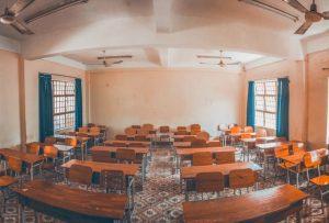 Kinh nghiệm chọn bàn ghế học sinh gỗ cho các cơ sở giáo dục