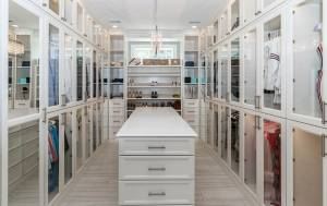 Tủ quần áo gỗ tự nhiên – Sang trọng cho không gian ngôi nhà của bạn