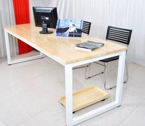 Có nên chọn lựa và sử dụng bàn văn phòng chân sắt hay không?